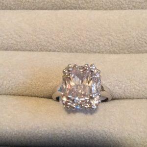 Jewelry - Size 5 Glamour ring Rhodium CZ